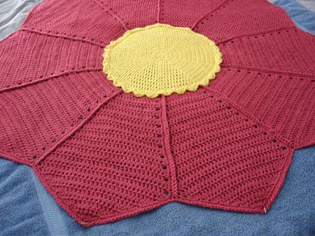 Cobijita Floresita blanket, blocking