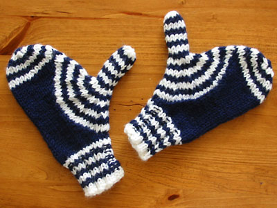 Finished Target Wave Mittens